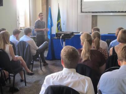 Estudantes dinamarqueses visitam UNIC Rio