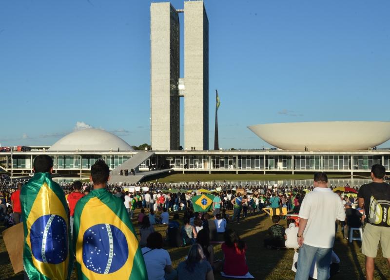 Manifestação de jovens na Esplanada dos Ministérios, em Brasília, em junho de 2013. Foto: Valter Campanato/ABr